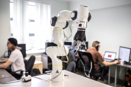 Cleveron opens a robotics academy